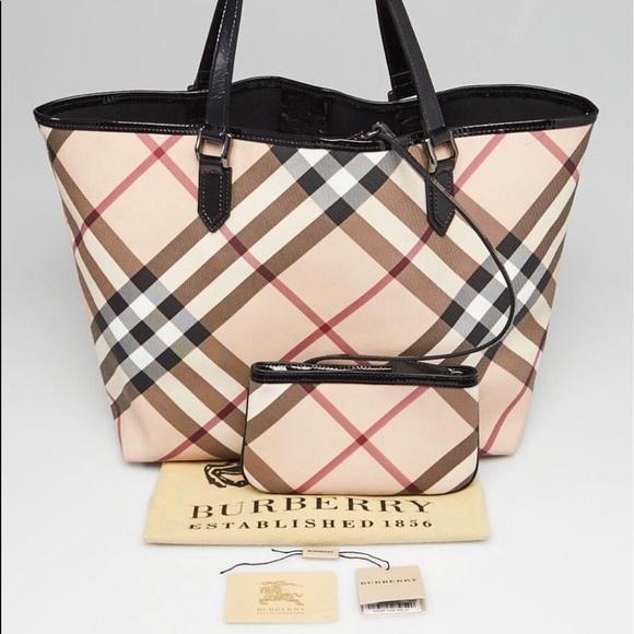 Burberry Handbags - Burberry Large Nickie Tote Bag 907dfa0f34ccb